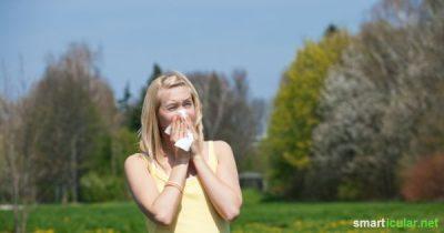 Treiben dir die Pollen Tränen in die Augen und bist du ständig dabei die Nase zu schnauben? Diese Tricks helfen den Heuschnupfen zu lindern.