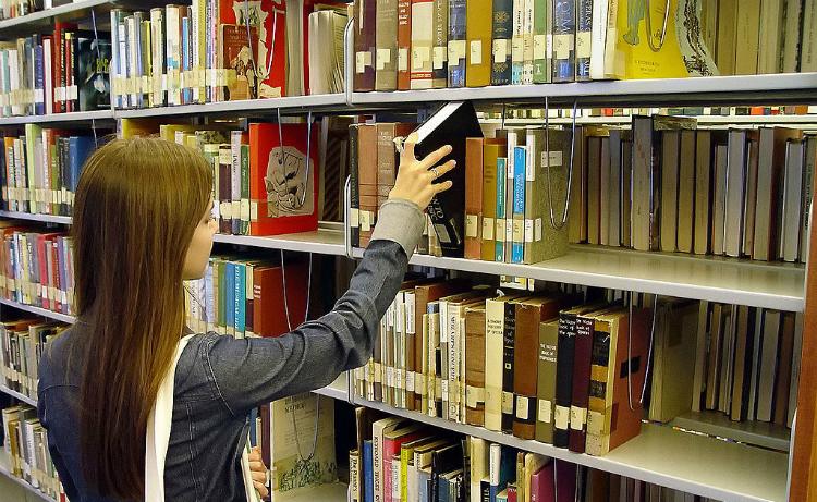leicht Geld gespart Bibliothek auch mit ebooks