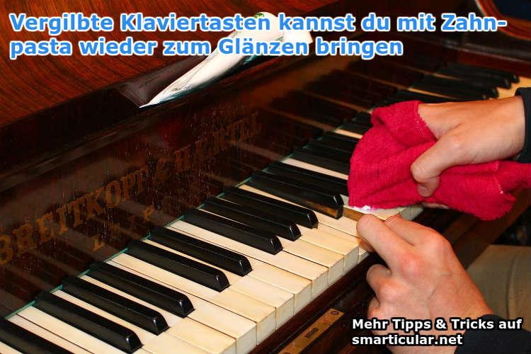 vergilbte Klaviertasten wieder reinigen