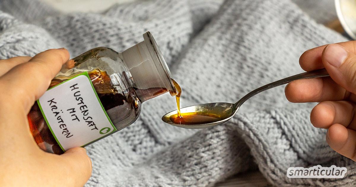 Statt ihn zu kaufen, kannst du einen Hustensaft mit Heilkräutern leicht selber machen und hast ihn in der Erkältungszeit immer parat.