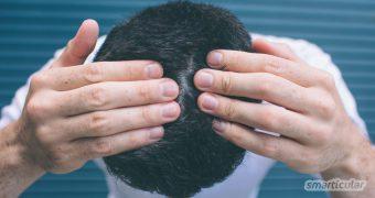 Fettige Schuppen sind zwar meist harmlos, aber auch besonders lästig. Hier findest du eine Reihe natürlicher Hausmittel, die deine Kopfhaut wieder ins Gleichgewicht bringen.