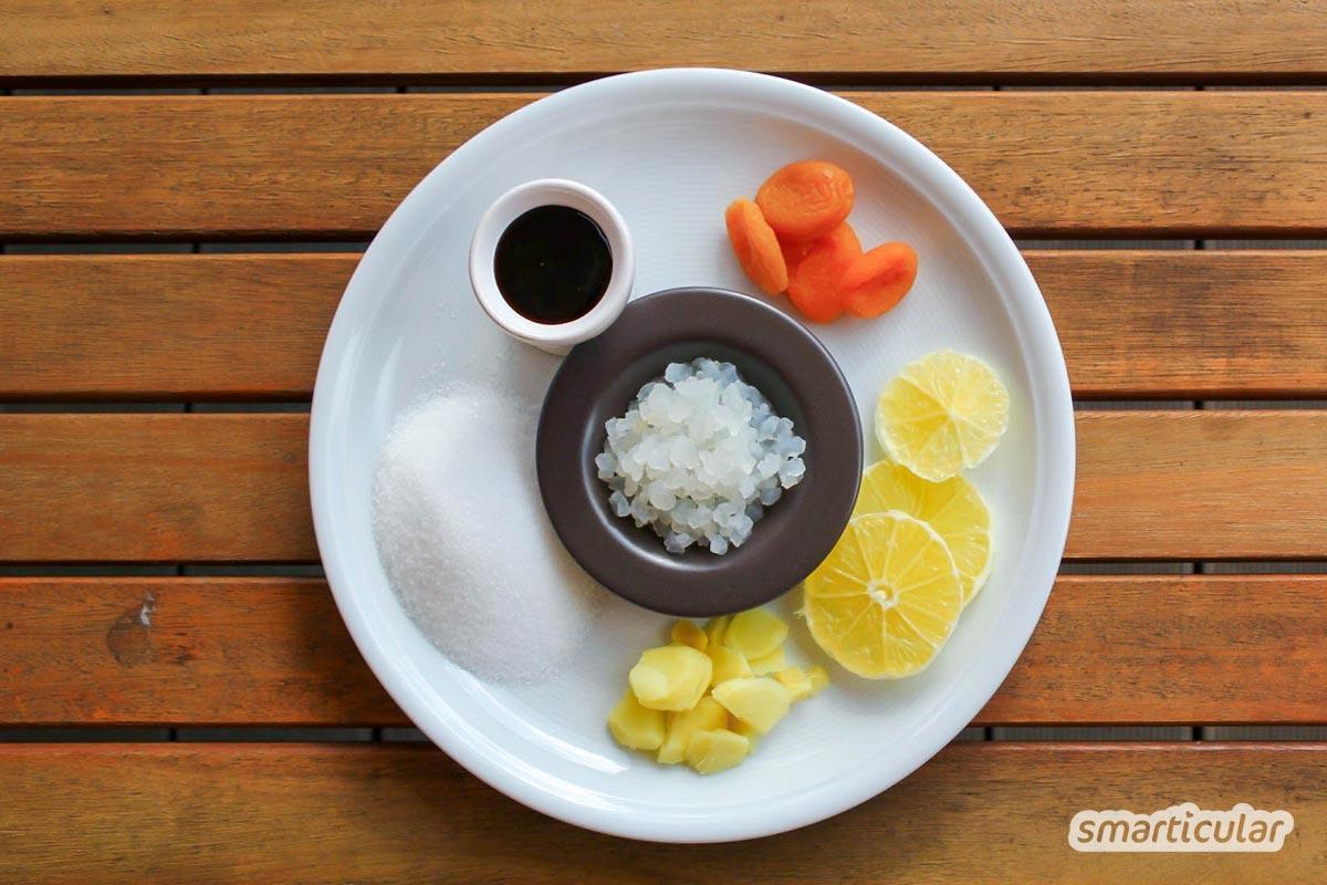 Wasserkefir ist ein gesundes, fermentiertes Erfrischungsgetränk, das sich mithilfe von Kefirkristallen einfach immer wieder selber ansetzen lässt.