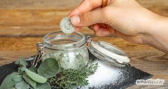 Hustenbonbons selber zu machen, ist ganz einfach. Aus heilsamen Kräutern und zahnfreundlichem Xylit sind sie um Handumdrehen fertig!