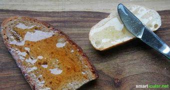 Honig ist richtig lecker und auch gesund. Wenn du jedoch eine leckere vegane Alternative suchst haben wir hier ein geniales Rezept mit Blüten und Kräutern!