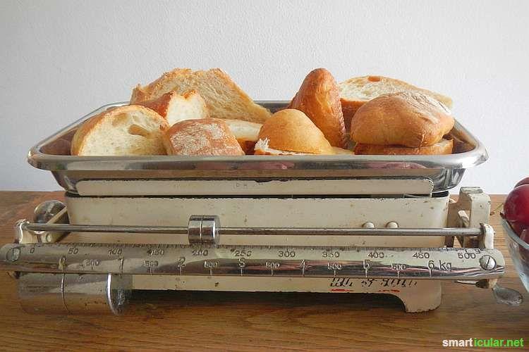 Schon wieder so viele Brotreste? Die musst du nicht wegwerfen. Verwende sie für ein leckeres Auflaufrezept mit Kirschen! Wie das geht, erfährst du hier.