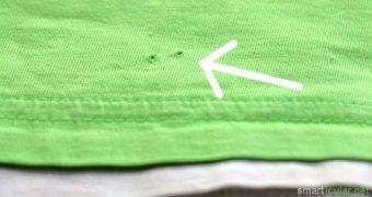 Sind dir auch schon mal winzige Löcher in T-Shirts und feinen Pullovern aufgefallen? Woher kommen sie und was kann man dagegen tun? Hier kommt die Lösung!
