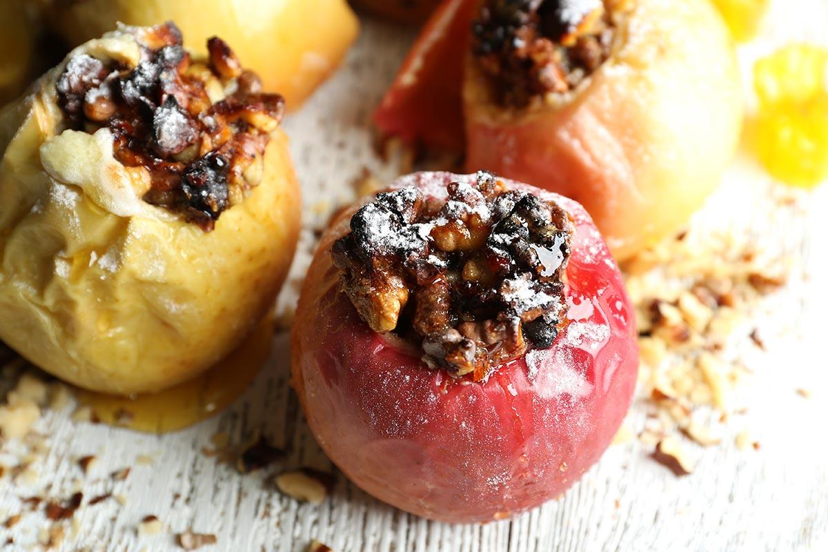 Der Saisonkalender November verrät dir, welche regionalen Obst- und Gemüsesorten jetzt reif sind -  zum Beispiel Äpfel, Quitten und Sanddorn sowie Kürbisse, Kohl und Rüben.
