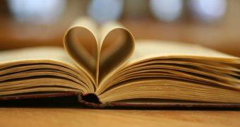 Lesen bildet, ist gut für die Gesundheit und kann unsere Chancen auf beruflichen Erfolg steigern. Hier sind die wichtigsten Vorteile der täglichen Lektüre!