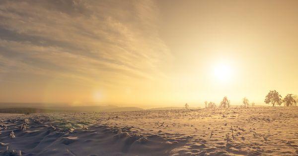 Wenn du im Winter schlechte Stimmung hast, leicht gereizt bist oder an Schlafmangel leidest, kann das Vitamin-D-Mangel sein. Finde heraus was dagegen hilft!
