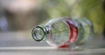 Wenn der Gedanke an Cola verlockend erscheint, dann hat die Werbung gute Arbeit geleistet. Es gibt ein paar gute Gründe sie dennoch zu meiden - deiner Gesundheit zu Liebe.