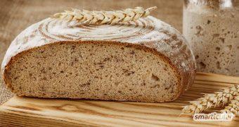 Für ein selbst gebackenes Sauerteigbrot wie diese Bauernbrot kannst du die besten Rohstoffe verwenden und dir die notwendige Zeit nehmen. Das ist gesund und schmeckt!