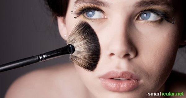 Das Herstellen von Puder, Mascara und Lippenstift aus natürlichen Zutaten ist eine besondere Herausfoderung die sich aber allemal lohnt. So funktioniert's