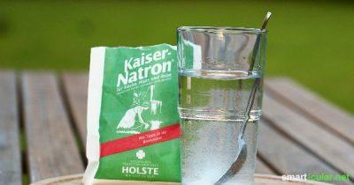 Natron scheint wie ein Alleskönner im Haushalt und für Gesundheit. Was genau ist Natron aber und wie funktioniert es? Endlich leicht verständlich erklärt