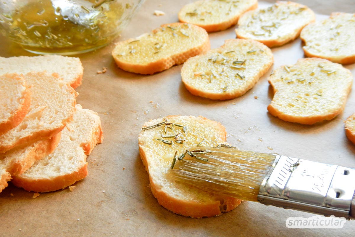 Auf den Teller statt in den Müll! Mit diesen Rezepten zauberst du aus altem Weißbrot kulinarische Köstlichkeiten für jeden Geschmack.