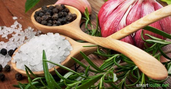 """Rezepte für """"Unkrautsalz"""" – gesunde Kräuter-Würzmischungen selber machen"""