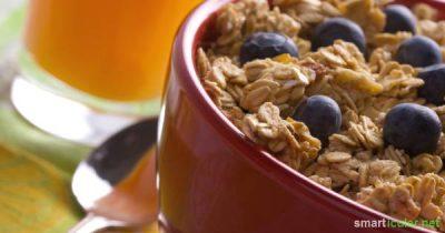 Versorge deinen Körper schon morgens mit vielen wichtigen Nährstoffen! Gesundes Müsli aus ursprünglichen Zutaten und ohne Zuckerzusatz selbst herstellen.