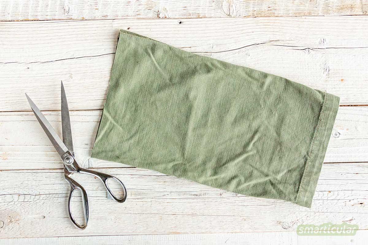 Einen Geschenkbeutel nähen aus einem alten Hosenbein: Das geht schnell, spart nachhaltig Verpackungsmüll und sieht toll aus!
