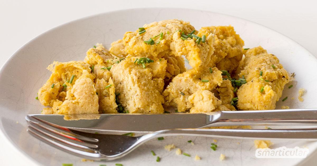 Frühstücken ohne Ei? Mit diesem Rezept bereitest du eine vegane Alternative zu Rührei zu. Gesund und lecker!
