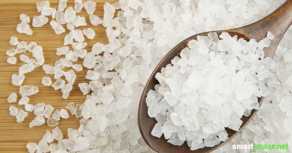 Salz ist nicht nur ein Würzmittel, sondern auch ein preisgünstiger Helfer im Haushalt, den du auf verschiedene Weise einsetzen kannst.