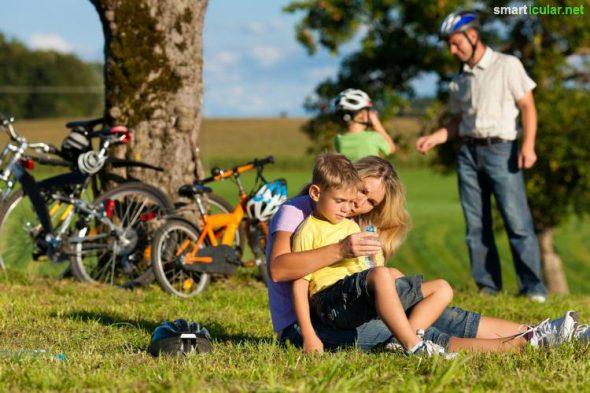 Du liebst deine Familie, die Umwelt und das Reisen? Hier findest du Tipps und Tricks, die deinenden nächsten Familienurlaub nachhaltiger gestalten.