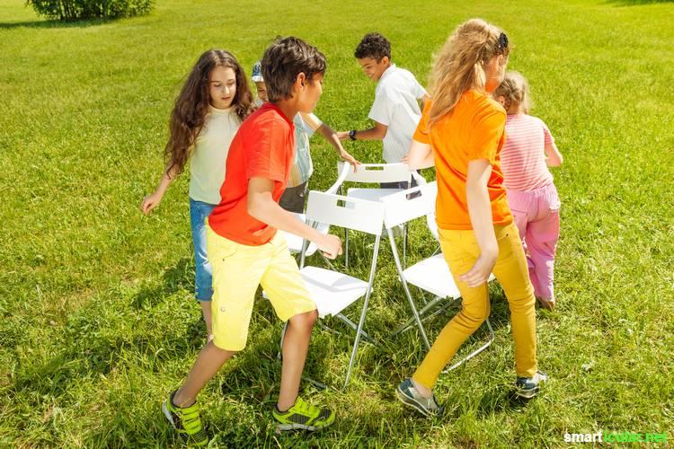 Wie hält man die Kinder zu Fasching bei Laune, ohne viel Müll zu produzieren? Wir zeigen dir, welche Spiele minimalistisch und einfach durchzuführen sind.