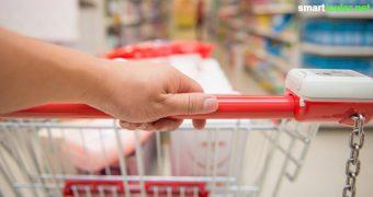 Ist dein Kassenzettel oft länger als erwartet? Achte doch mal auf diese Tricks der Supermärkte, so kannst du bewusster einkaufen und Geld sparen.