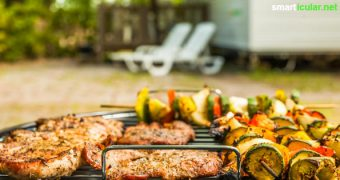 Abfallarmes und gesundes Grillvergnügen statt Fleisch- und Müllberge: Mit diesen Tipps wird der nächste Grillabend nicht nur lecker, sondern schont auch die Umwelt.