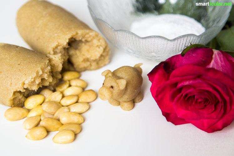 Mit diesem einfachen Rezept kannst du die süße Marzipan-Masse leicht selbst herstellen. Dank Rosenblütensirup wird daraus ein duftender Hochgenuss!