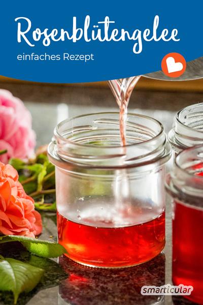 Rosenblütengelee lässt sich mit diesem Rezept ganz einfach selber machen aus unbehandelten Rosenblüten und Traubensaft.