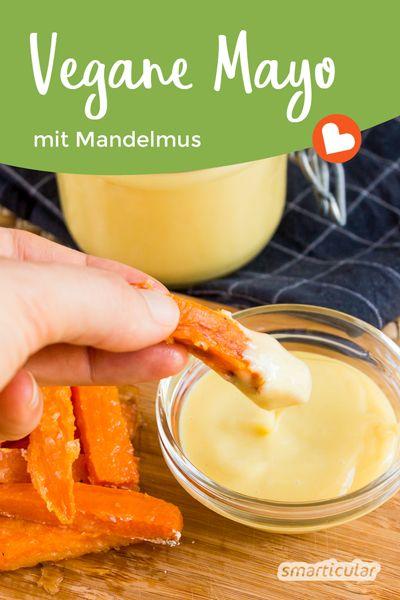 Mayonnaise muss kein Cholesterin-Monster sein: Probiere doch mal diese köstliche, vegane Variante mit Mandelmus und Leinöl!