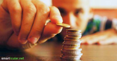 Du willst Geld sparen, aber nicht auf den Urlaub verzichten? Dann versuchs doch mal mit diesen Kleinigkeiten, die in Summe viel Geld sparen.