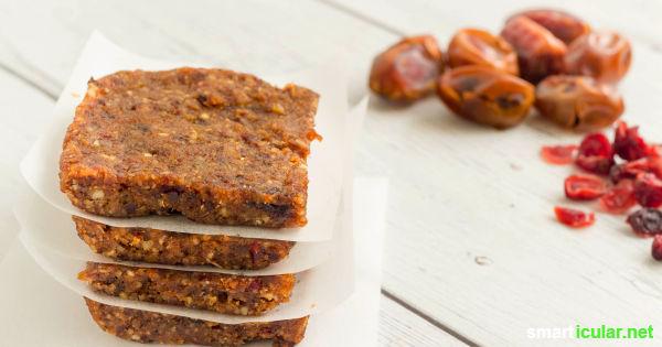 Datteln schmecken nicht nur köstlich, sie enthalten auch eine Vielzahl von Mineralien und Vitaminen und versorgen deinen Körper mit gesunder Energie.