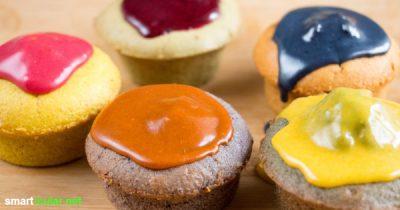Vergiss künstliche Lebensmittelfarben - Haltbare Färbemittel (flüssig oder in Pulverform) kannst du aus natürlichen Inhaltsstoffen selbst herstellen.