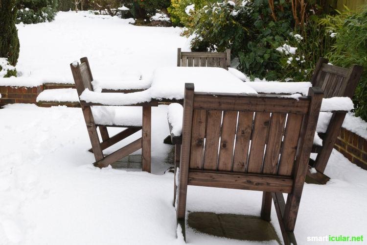 Bereite deinen Garten auf den Winter vor! Mit diesen Tipps machst du dir die herbstlichen Arbeiten einfacher, schützt die Umwelt und hilfst den Tieren beim Überwintern.