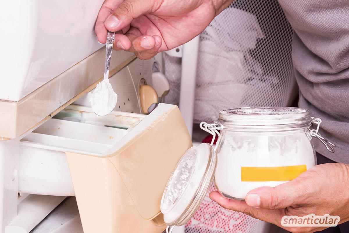 Für weiße Wäsche ohne Grauschleier brauchst du keine künstlichen optischen Aufheller und keine aggressiven Bleichmittel. Natürliche Hausmittel aus deiner Küche helfen genauso gut!