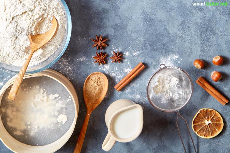 Dieser vegane Gewürzkuchen ohne Butter, Eier und Milch ist schnell und einfach zubereitet und schmeckt wie gefüllte Lebkuchenherzen - viel besser als käufliche Produkte in Plastik!