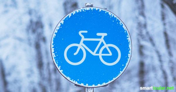 Fahrradfahren ist nicht nur bei warmem, trockenem Wetter möglich. Mit diesen Tipps bist du auch im Winter gut ausgerüstet und sicher unterwegs!