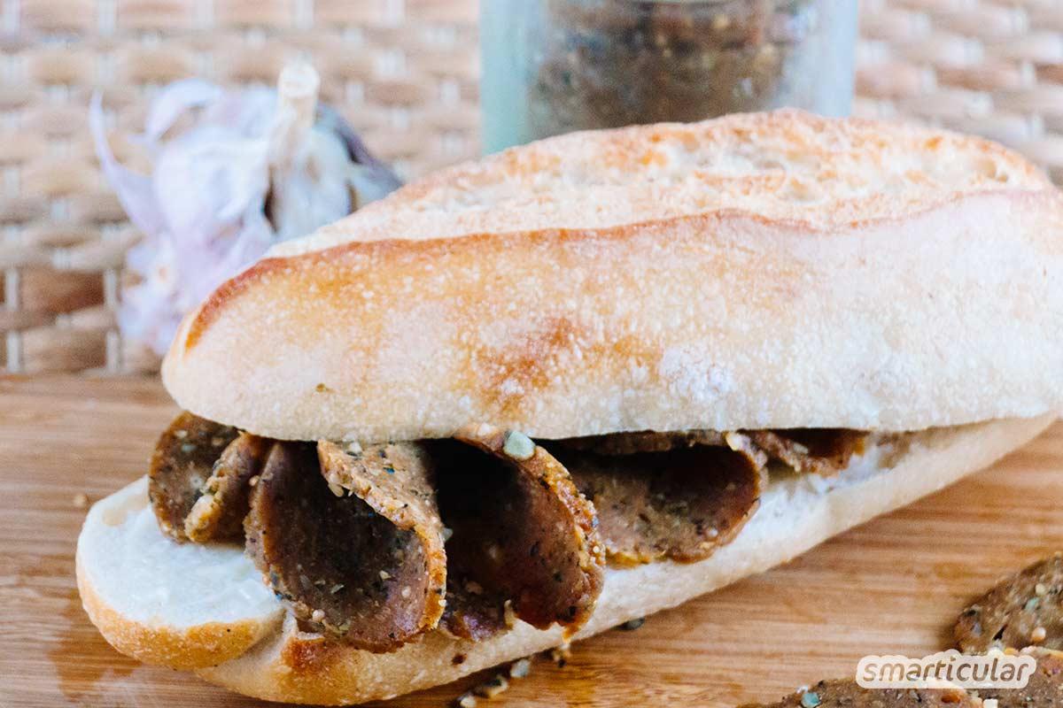 Auch auf deftiges Wurstbrot musst du nicht verzichten, wenn du versuchst, deinen Fleischkonsum einzuschränken. Hier findest du ein Rezept für vegane Seitan-Salami!
