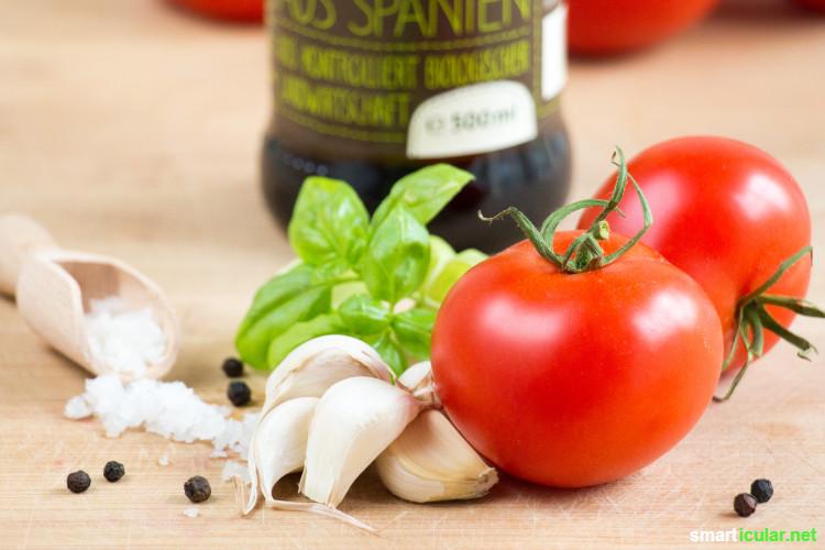 Wenn alle Tomaten gleichzeitig reifen, wird die rote Pracht schnell eintönig! Mit diesem Rezept für gebackene Tomaten kommt keine Langeweile auf, und sie können sogar konserviert werden.