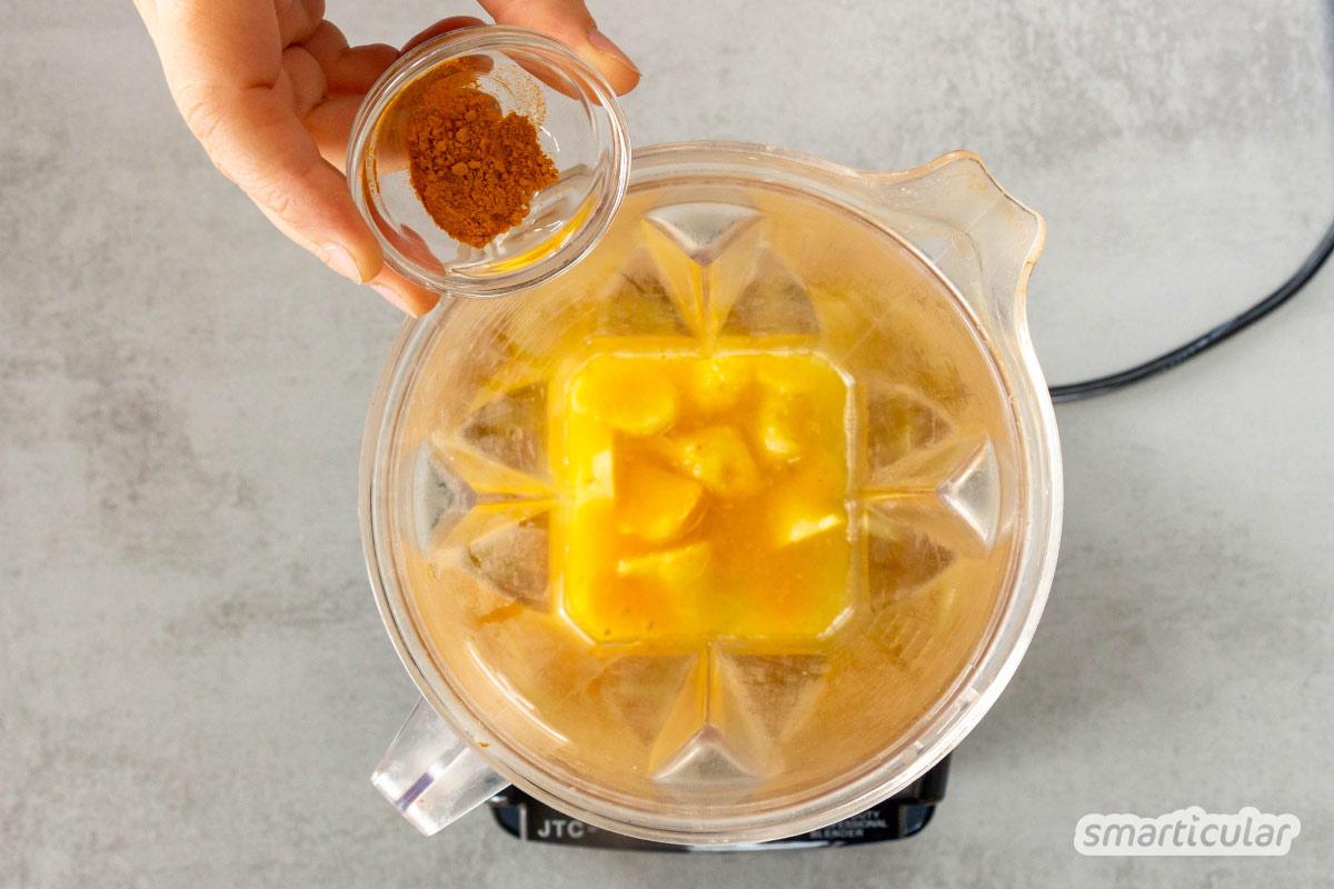 Einen Ingwer Shot selber zu machen ist ganz einfach, stärkt dein Immunsystem und versorgt dich mit Energie. Ein Rezept mit Zitrone und Kurkuma findest du hier.