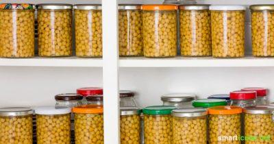 Statt Kichererbsen teuer in der Dose zu kaufen oder jedes Mal einzuweichen und zu kochen, kannst du leicht einen Vorrat anlegen - fast ohne Müll.