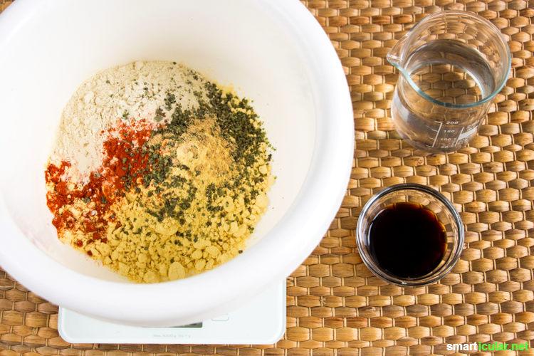 Mit dem Mehl der Lupine lassen sich zahlreiche Rezepte verfeinern. Selbst ein knuspriges veganes Schnitzel kannst du daraus herstellen, mit nur wenigen Handgriffen.