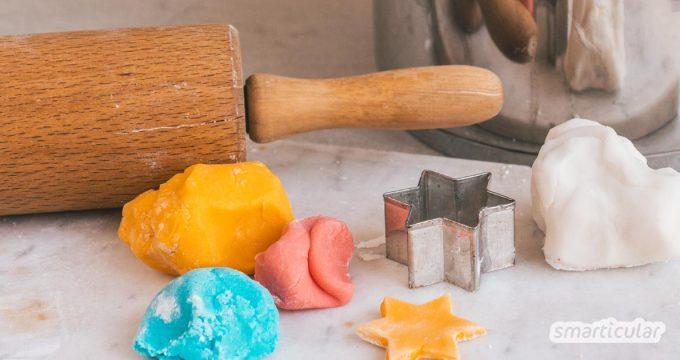 Salzteig lässt sich einfach und schnell aus Küchenzutaten herstellen und kreativ verarbeiten. Diese Variante mit Natron ist noch feiner und zudem reinweiß.