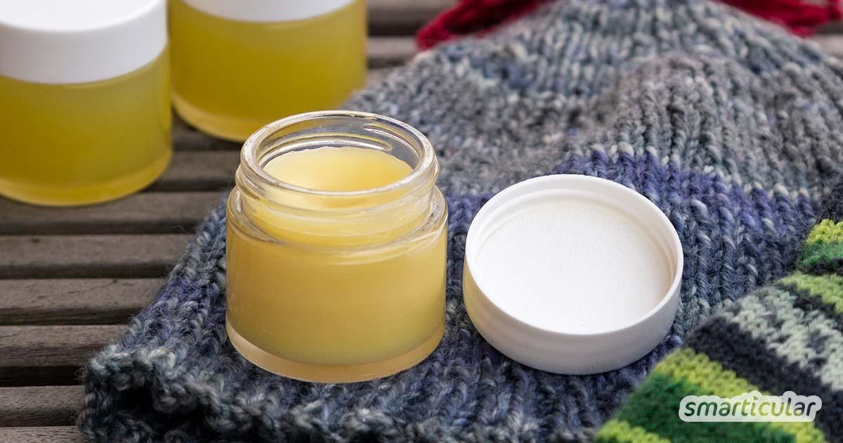 Bei nasskaltem Wetter kann empfindliche Haut den zusätzlichen Schutz einer Wind-und-Wetter-Salbe gebrauchen. Diese natürliche Salbe aus 4 Zutaten lässt sich mit wenigen Handgriffen selber machen.