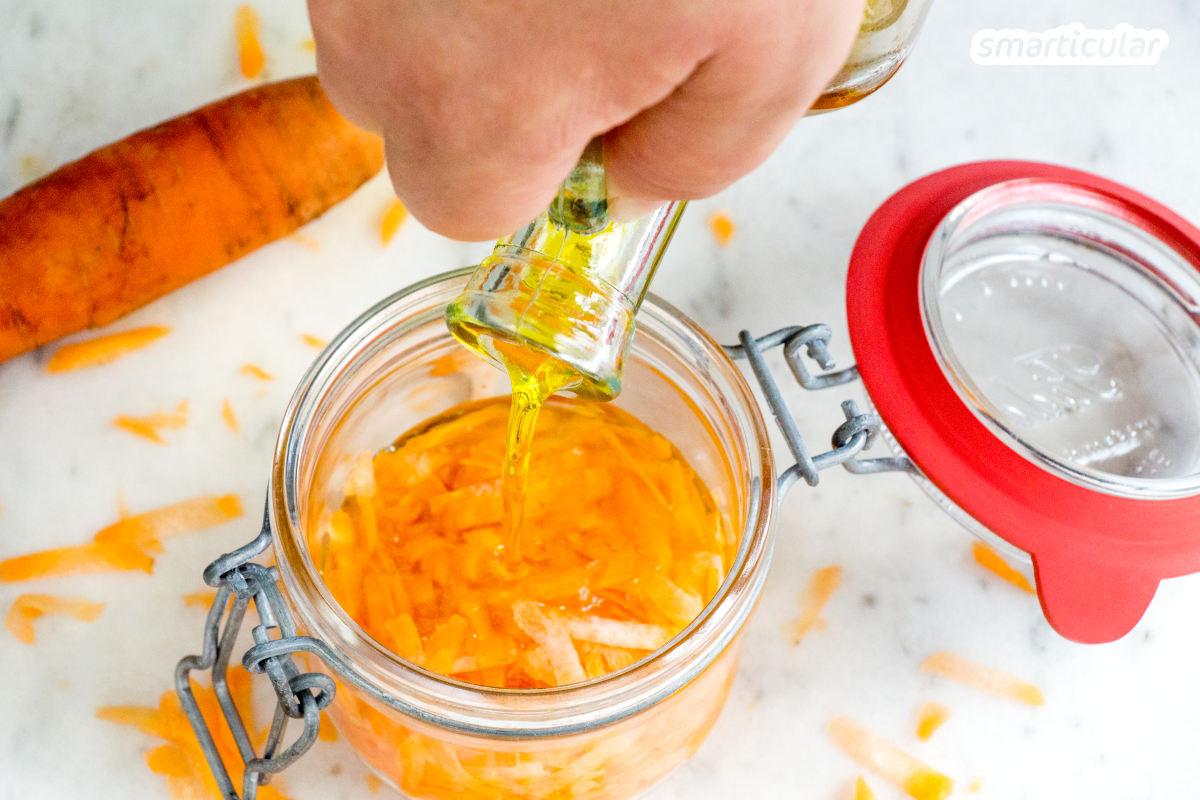 Karottenöl lässt sich kinderleicht selbst herstellen. Es enthält hautpflegendes Vitamin A sowie dessen Vorstufe Beta-Carotin und lässt sich auch für die Haarpflege verwenden.