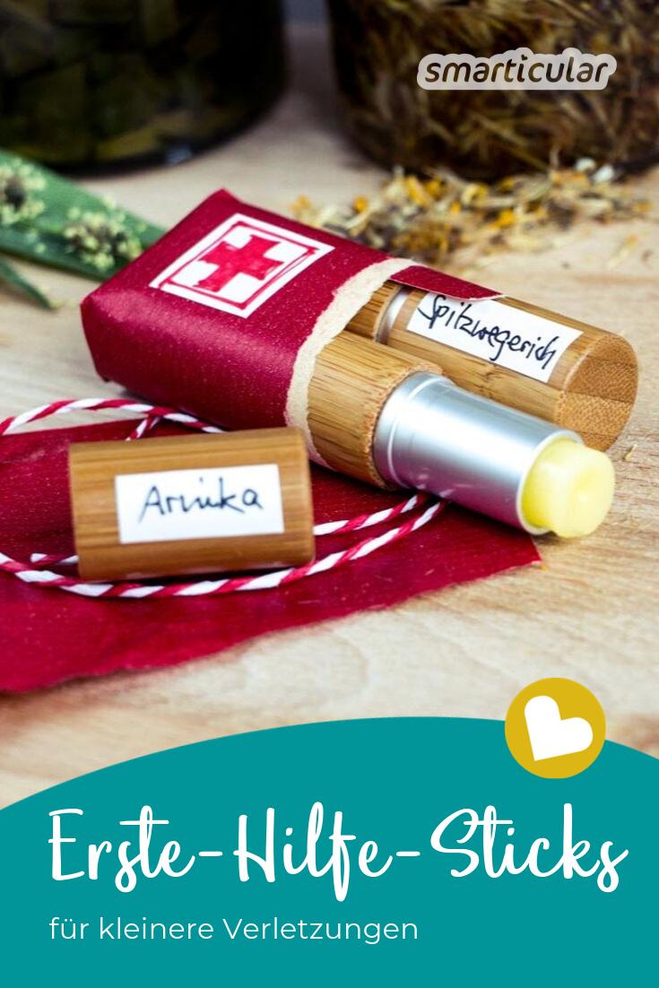 Wenn Kinder Beulen oder Schürfwunden vom Toben davontragen, helfen Arnika und Spitzwegerich auf natürliche Weise. In Stiftform lassen sie sich einfach mitnehmen und unterwegs auftragen.