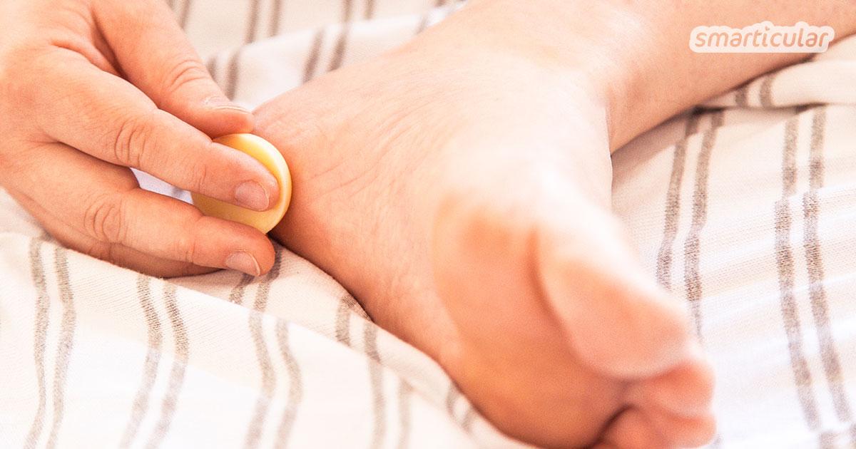 Feste Fußpflege-Bars für die schnelle Pflege nach der Dusche oder einfach zwischendurch - Zwei einfache Rezepte mit natürlichen Zutaten.