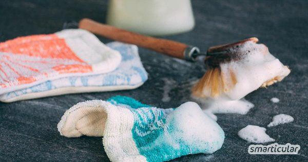 Einweg-Spülschwämme und -lappen verursachen viel Müll. Stattdessen kannst du alte Handtücher upcyceln und daraus Spüllappen ganz einfach selber nähen!
