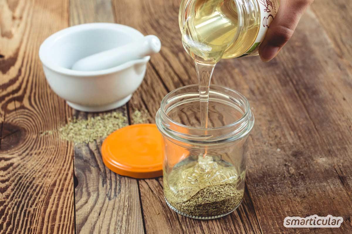 Fenchelhonig ist ein bewährtes Hustenmittel, das schon kleine Kinder gern einnehmen. Er lässt sich einfach und preiswert aus Honig und Fenchelsamen selbst zubereiten.