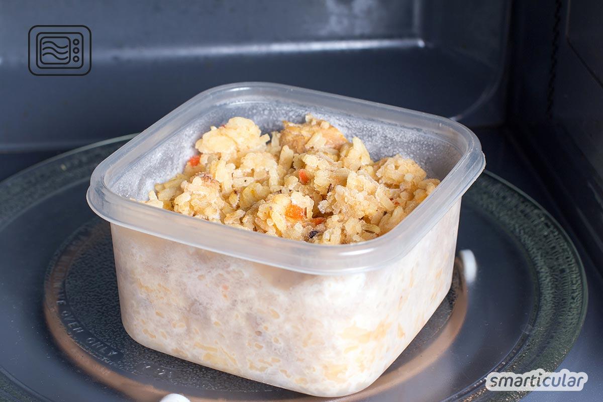 Plastik ist nicht gleich Plastik, das gilt auch für Küchenutensilien aus Kunststoff. Die folgenden Tipps helfen, Fehler zu vermeiden, durch die Kunststoffprodukte zum Gesundheitsrisiko werden.